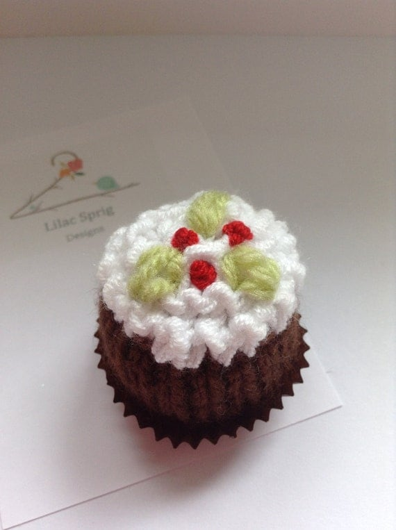 Knitting Pattern Christmas Pudding Ferrero Rocher : Christmas Pudding Knitting Pattern Lindt Lindor or by LilacSprig