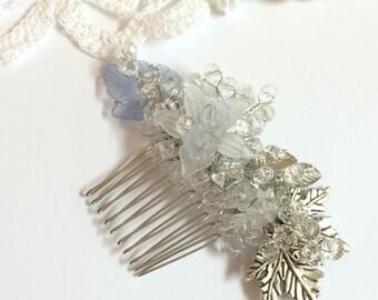 Bridal hair comb, crystal hair comb, hair comb wedding, silver hair comb, flower hair comb, floral hair comb, wedding hair comb, hair comb