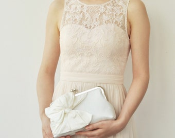 Ivory Bridal Clutch, Ivory Wedding Clutch, Silk Clutch, Cream Bridesmaids Clutches, Party Clutch, Evening Clutch, Classic Bow