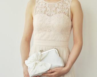 Ivory Bridal Clutch, Ivory Wedding Clutch, Silk Clutch, Cream Bridesmaids Clutches, Party Clutch, Evening Clutch, Classic Bow, Style C002