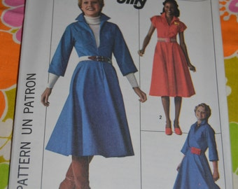 Vintage 70s Simplicity 7792 Misses' Jiffy Dress Sewing Pattern - UNCUT  Size 10 or Size 12