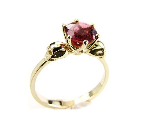 Skull Engagement Ring, Gold Skull Pink Tourmaline Stone, Ruby Goth Wedding Ring Psychobillly Skull Ring Gemstone Memento Mori Ring for Women