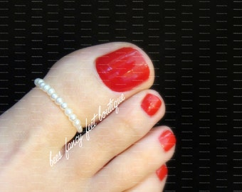 NEW! Big Toe Ring - White Pearls Stretch Bead Toe Ring