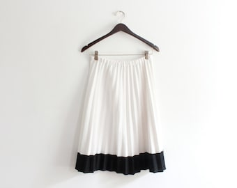 White Pleated Luxe 70s Midi Skirt