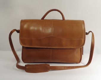 Vintage Made in Colombia Carmel Brown Supple Leather Shoulder Bag Messenger Business School Briefcase