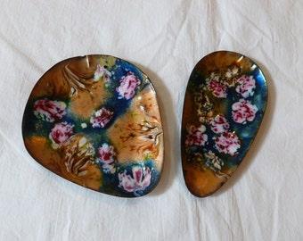 Set of 2 Enamel On Copper Plates MCM 1960's Enameled Copper Plates Trinket Bowls Stylized Swirled Rose Enamelware Modernist Enamel Plate