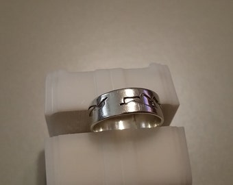 R 109  sterling silver ring  size 7
