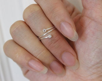 Sterling Silver crystal toe ring, midi ring, simple, stylish, silver toe ring, thin ring, spiral toe ring, wire toe ring, summer item.