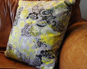 Throw Pillow Cover Decorative Grunge Floral