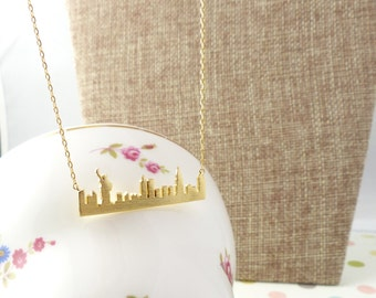 Statue of liberty bar necklace,NYC skyline bar necklace with statue of Liberty, Horizontal bar necklace,city necklace,gift idea
