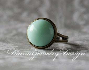 Mint ring, vintage glass ring, mint green, ring, fingerring, adjustable ring