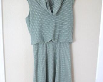 vintage green & white polka dot pleated house dress