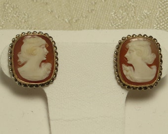 Vintage Art Deco era signed BDA 10k solid gold carved shell lady cameo earrings