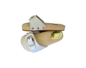 FRENCH wood 1970s CLOGS  // 70s kids mules // New old stock vintage kids Shoes // size eu 32