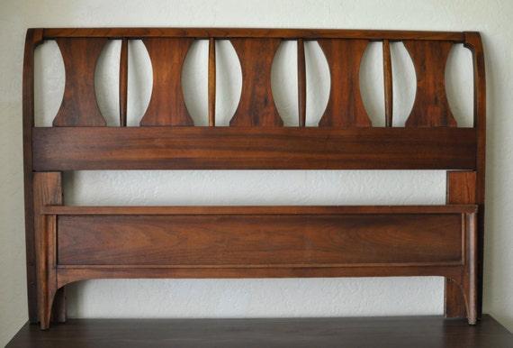 Mid century danish modern rosewood walnut bed vintage full for Vintage danish modern bedroom furniture