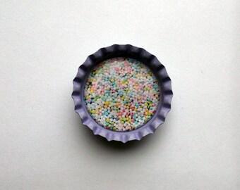 Cute Lilac Bottlecap Magnet with Kitsch Cake Sprinkles Design