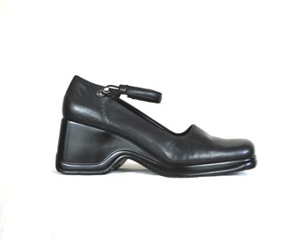90s Chunky Black Leather Mary Janes sz 9 / Women's Minimalist Platform Wedge Shoes