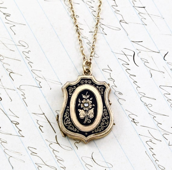 Antique Victorian Locket