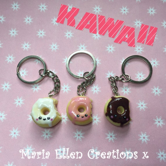 Kawaii Donut keychain, miniature food jewelry, kawaii food, polymer clay food charm, food keychain, food jewellery, best friend jewelry