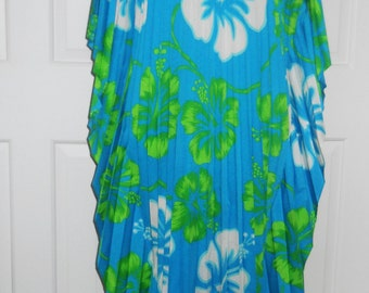 Vintage 1970's Accordion Pleated Floral Caftan / Free U.S. Shipping