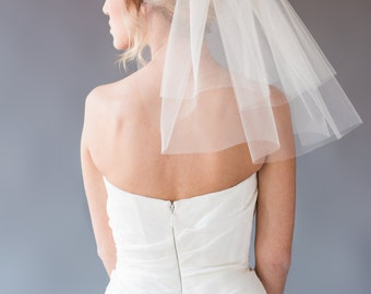 ELLIE VEIL | two-tiered shoulder length veil, shoulder length veil, wedding veil, bridal veil, short veil, ivory, white, diamond white