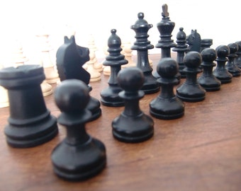 1970s Staunton Chess Set Vintage