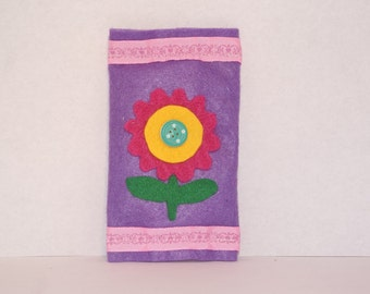 Felt pouch for tissues
