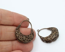 2 Pcs Raw Brass Filigree Earrings 24x33mm Hoop Earrings- Filigree earrings- Filigree hoop earrings