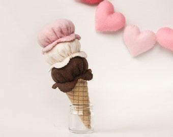 Felt Food Ice Cream, Pretend Play, Strawberry, Chocolate, Vanilla, Neapolitan, One Piece Set