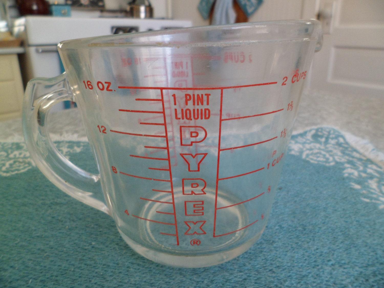 vintage pyrex 2 cup glass measuring cup closed handle. Black Bedroom Furniture Sets. Home Design Ideas