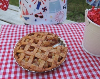 Whole Apple Pie with Slice for American Girl Dolls