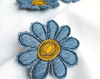 Denim flower brooch Fabric daisy single flower pin Textile art flower jewelry Denim daisy brooch Summer party Summer outdoors Gift for here