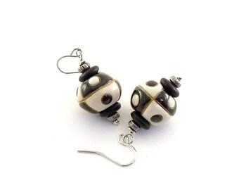 Black and White Earrings - Uptown Girl Earrings - Golem Studio Earrings - Ceramic Earrings - Silver Earrings - Wire Earrings -Small - E014