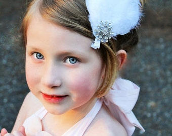 White feather clip,  ready to ship, white  nagorie clip,bridal clip, photo prop, baptism clipflower girl clip