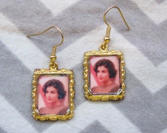 Audrey Horne inspired Earrings, with optional pearl accent beads.