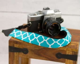DSLR Camera Strap - Camera Gifts - Padded Camera Strap - Teal Camera Strap - Nikon Strap - Photographer- Turquoise Quatrefoil- READY to SHIP