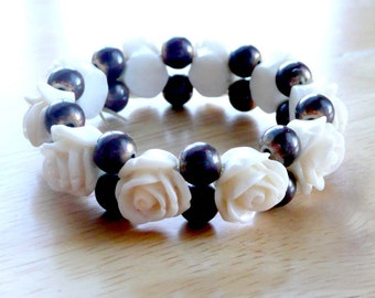 Carved Cream Roses Bracelet Stretch with Black Beading Retro