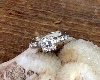 14kt White Gold and Diamond Vintage Engagement Ring