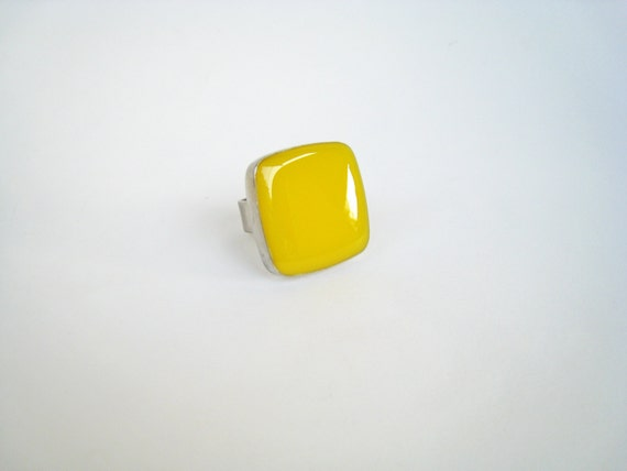 Yellow resin ring, lemon yellow ring, citrine yellow glass ring, big chunky square ring, color block jewelry, modern fashion ring
