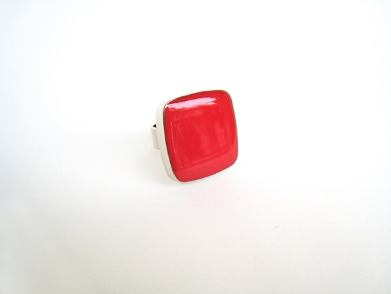 Red resin ring, red glass ring, ruby red ring, color block jewelry, big chunky square ring, modern minimalist, pop fashion ring