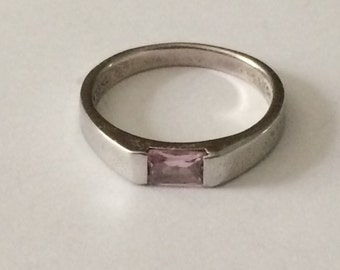 Size 8 Sterling Silver And Pink Stone Ring