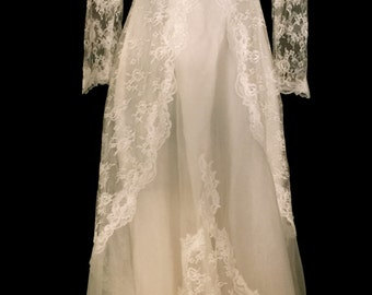 Vintage 70's Candlelight White Wedding Gown  VG162