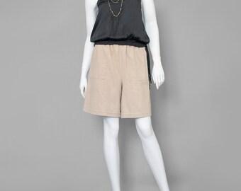 SALE - 80s Shorts Beige Shorts Khaki Shorts Safari Shorts 1980s Shorts Knee Length Cotton Shorts W/ Pockets High Waist Shorts