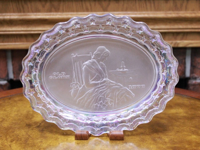 Fostoria Oval Betsy Ross Plate 1777 Iridescent Edges