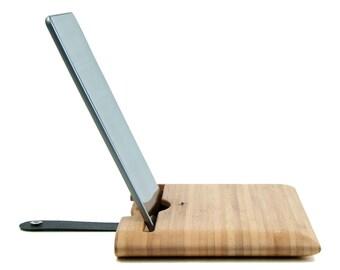 Etui pour iPad Air ou 2/3/4 en bois de bambou caramel et lanière en cuir