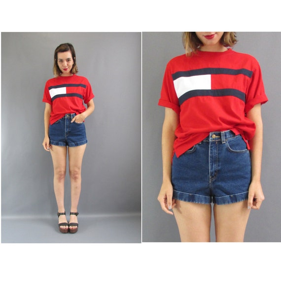 90s tommy hilfiger logo tee 90s tommy red logo t shirt. Black Bedroom Furniture Sets. Home Design Ideas