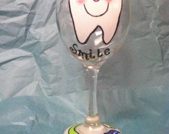 Dental gifts, Dental hygienist gift, Dental assistant tooth wine glass, Dental hygiene, Dental assistant gifts, Dentist gifts