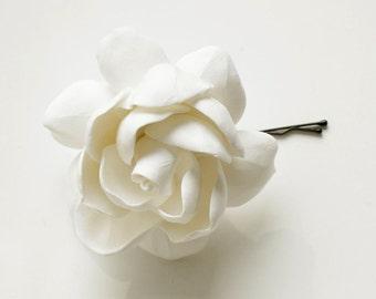 White Hair Magnolia Pin, Handmade polymer clay flower, white flower, gardenia flower, Polymer Clay flower Hair clip