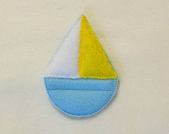 In Hoop Sailboat  Bobbie Pin Buddy