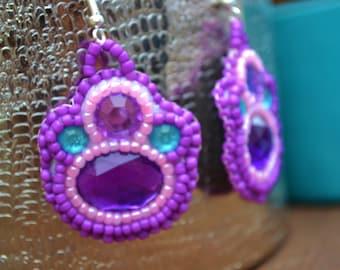 Boucles d'oreilles baroques en perles de rocailles et strass